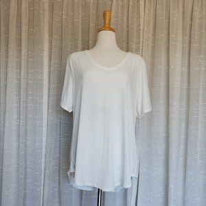 White Lularoe V Neck Christy Tee Sz L